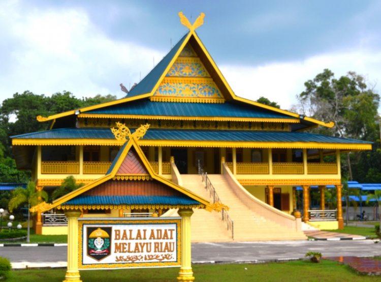 Rumah Adat Riau - Balai Salaso Jatuh