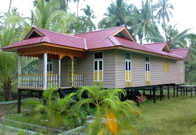 Rumah Adat Riau - Limas Potong