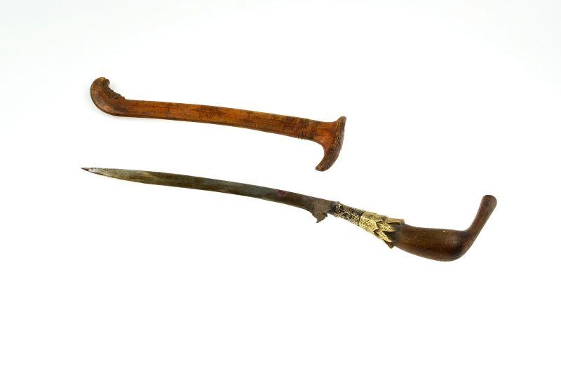 Senjata tradisioanal Bali Tiuk