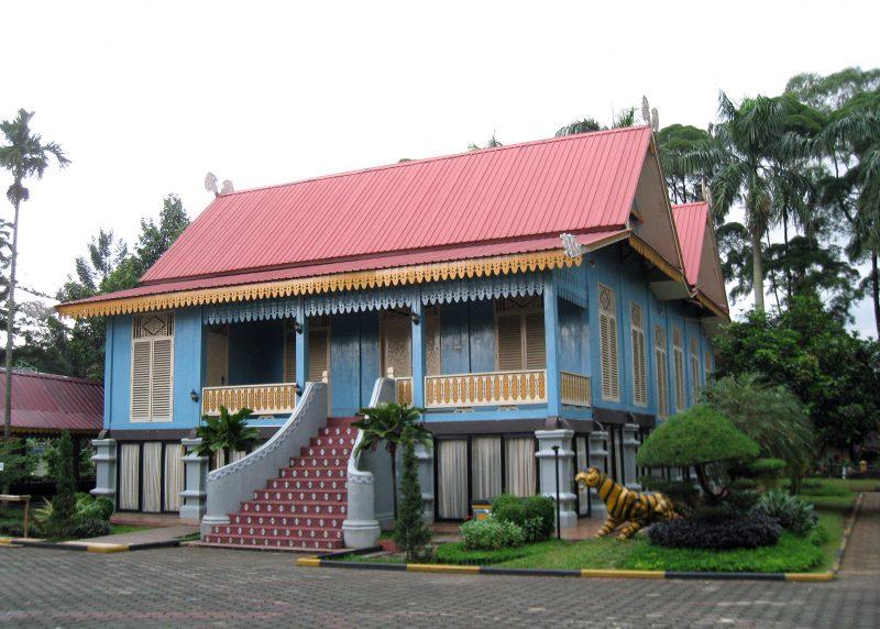 Rumah Adat Riau - Lipat Kajang