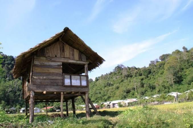 Rumah santeut (tampong limpong)