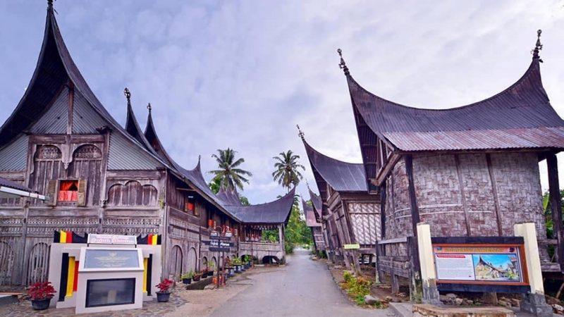 Rumah Gojong Padang