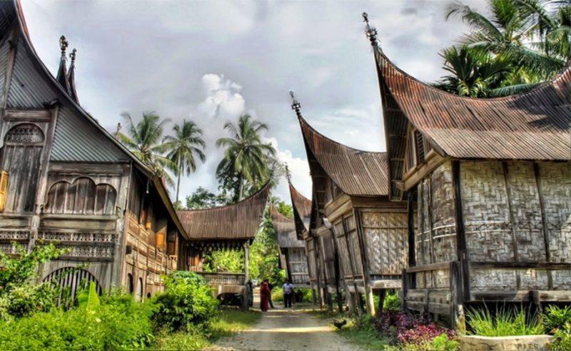 Rumah adat Padang Sumatera Utara