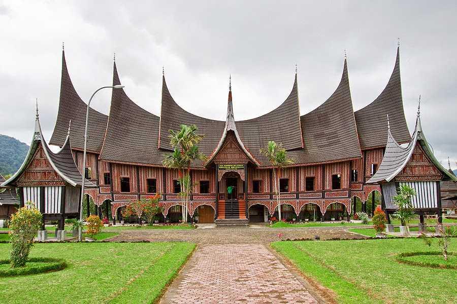 Rumah adat Padang Sumatera Barat