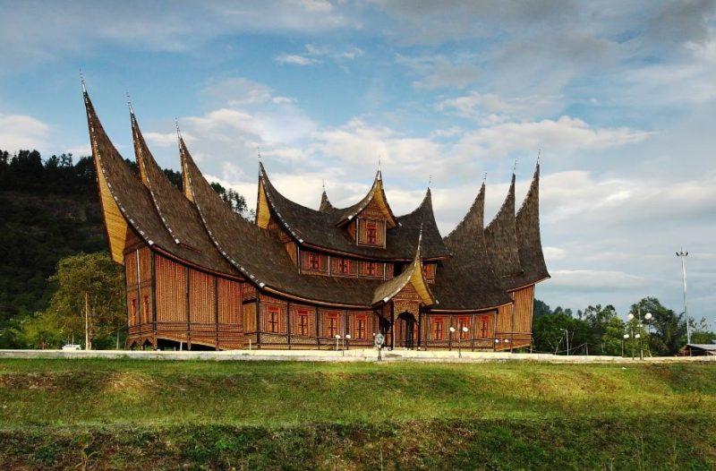 Rumah adat Padang yang bersejarah