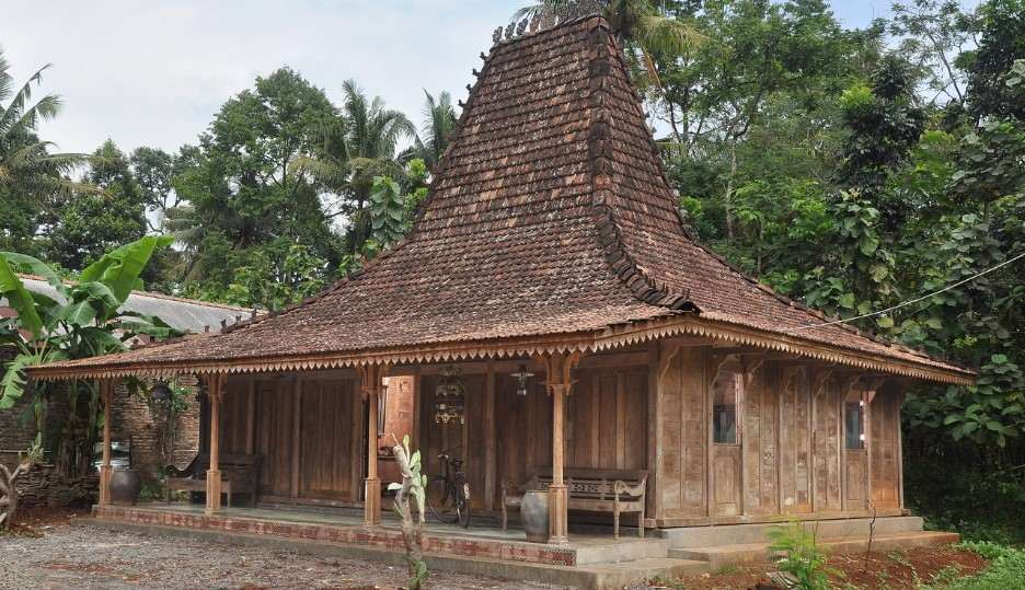 Rumah adat Joglo Betawi