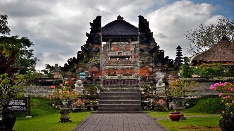 Gaya arsitektur rumah adat Bali