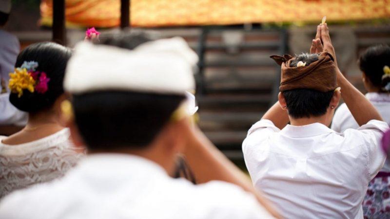 Upacara adat Galungan bagi masyarakat Hindu Bali