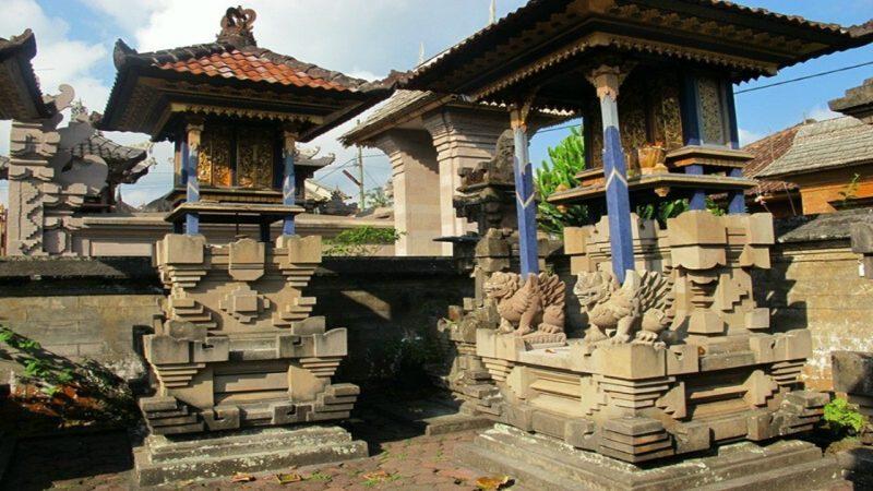 Penginjeng karang rumah adat Bali