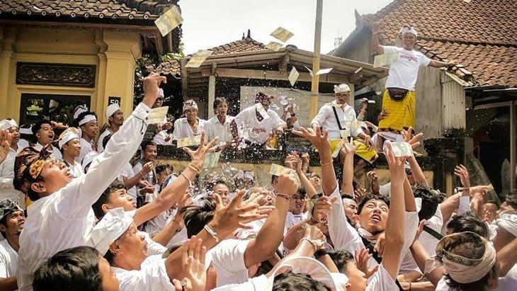 Tradisi mesuryak di Bali