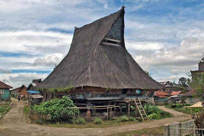 9 Rumah Adat Sumatera Utara Gambar Filosofi Fungsi Penjelasan