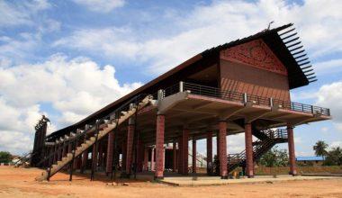 Rumah adat Kalimantan Tengah