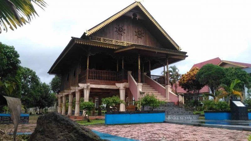 Rumah tradisional provinsi Bengkulu